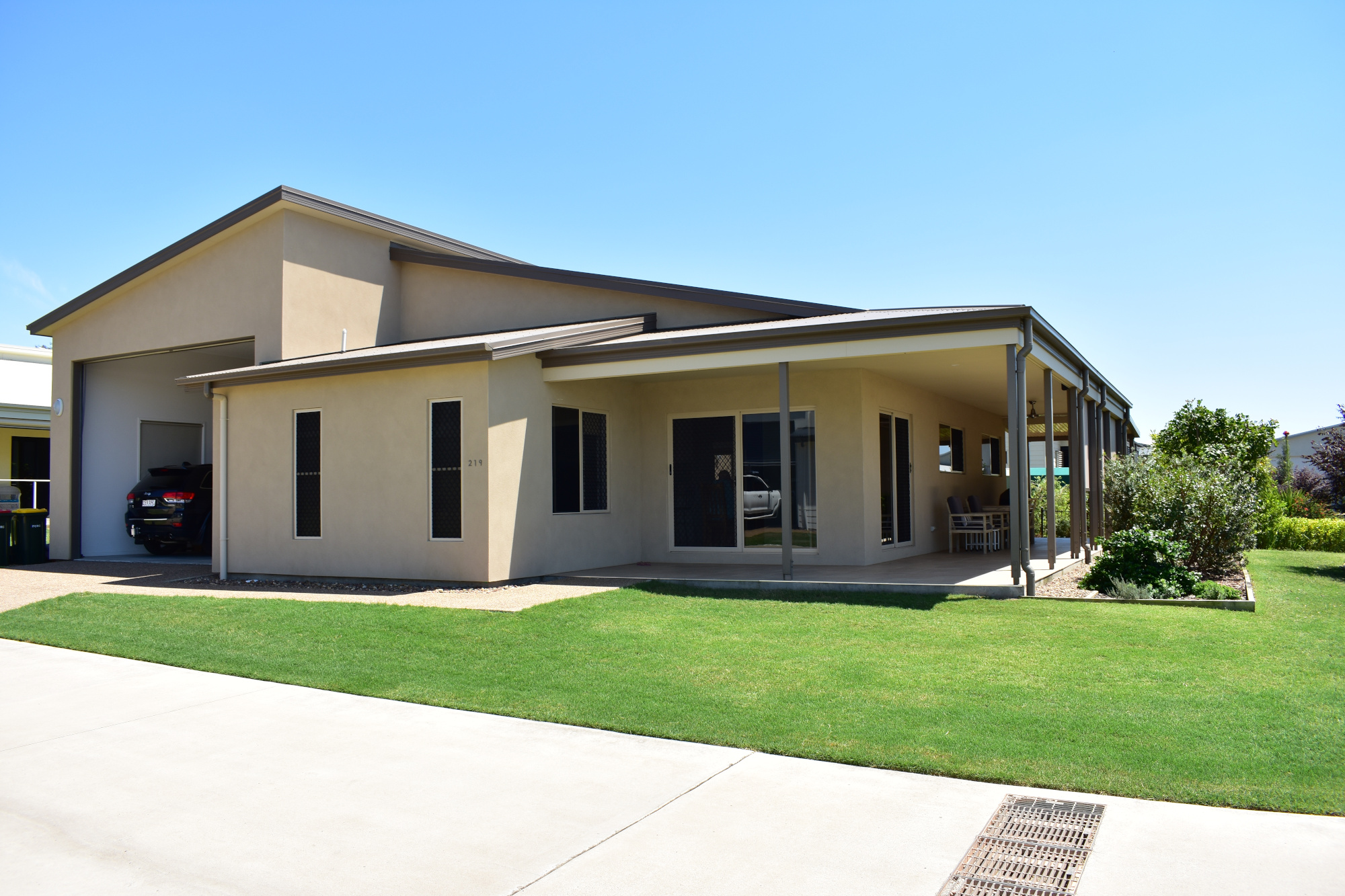 SITE_219_FRONT_1